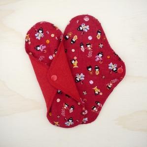 "23cm/9"" Red Geisha Dolls, Hemp Jersey"